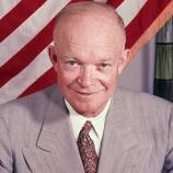 Dwight D. Eisenhower nechal postavit golfový green v Bílém domě a hrál zde více než 800 kol golfu