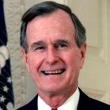 George Bush H.W přežil čtyři letecké havárie v druhé světové válce