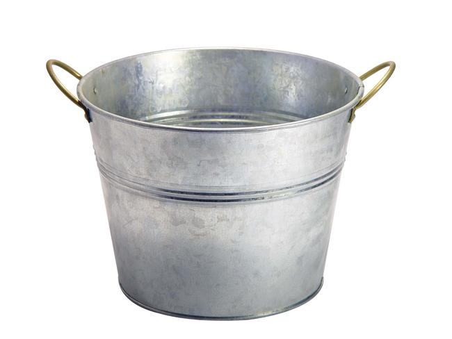 Nést prázdný kbelík v Rusku znamená špatné znamení