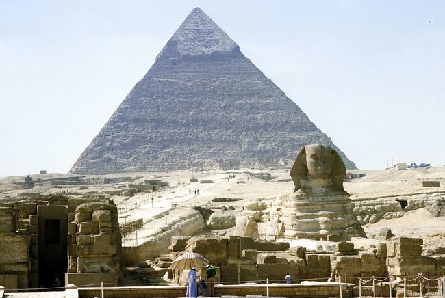 V roce 2014, egyptský vědec Amir Gamal řekl do novin, že věří, že Izrael je spiknutí s cílem ukrást pyramidy