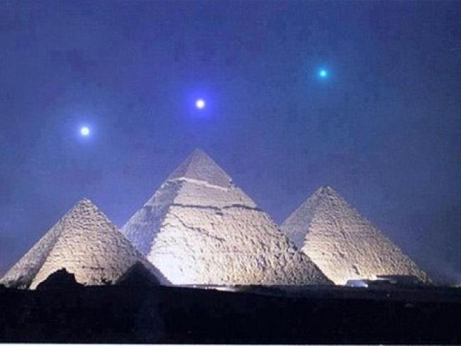 Švédský filozof z roku 1800 se domníval, že pyramidy byly ve skutečnosti filtrovací nádrže pro kalný Nil